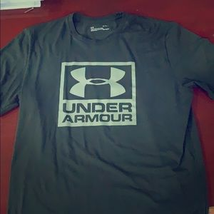 Dark Green Under Armour T-shirt